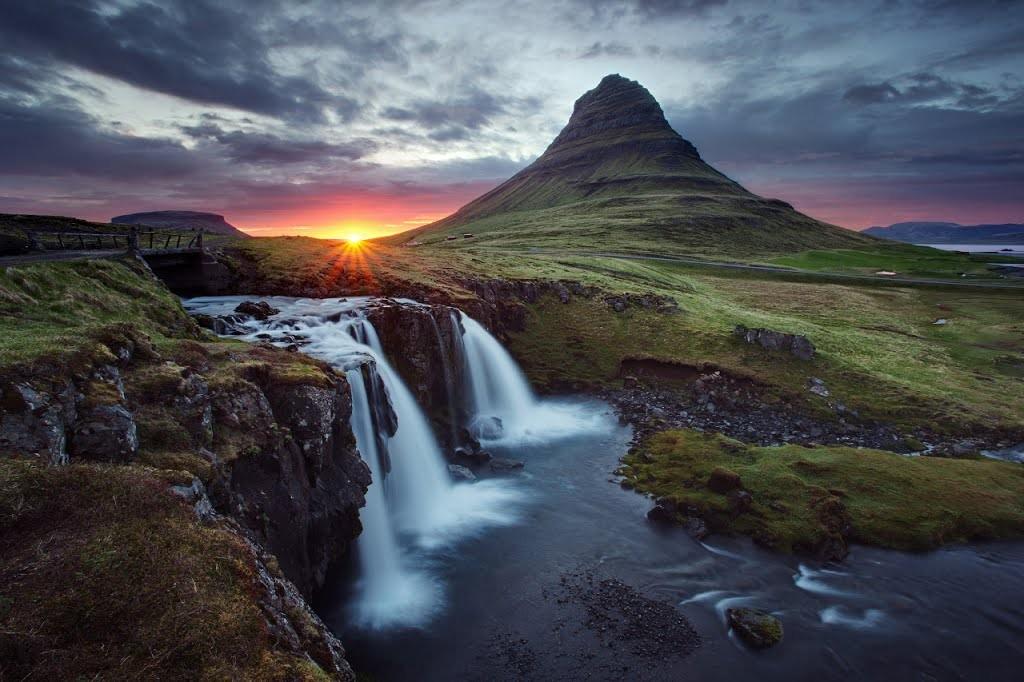 Kirkjufell (463 m), Islanda. Foto: panoramio.com