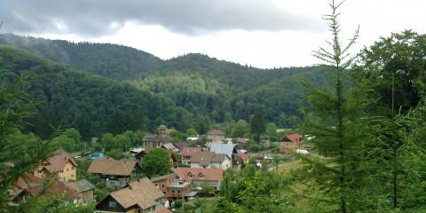 Foto: http://ro.wikipedia.org/wiki/Timi%C8%99u_de_Jos,_Bra%C8%99ov#/media/File:Peisaj_Timisul_de_Jos.jpg