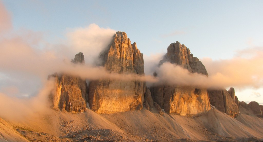 Tre Cime di Lavaredo (2.999 m), Italia. Foto: Jon Shave
