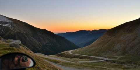 Foto: http://vandogtraveller.com/best-road-world-driving-transfagarasan-mountain-pass/
