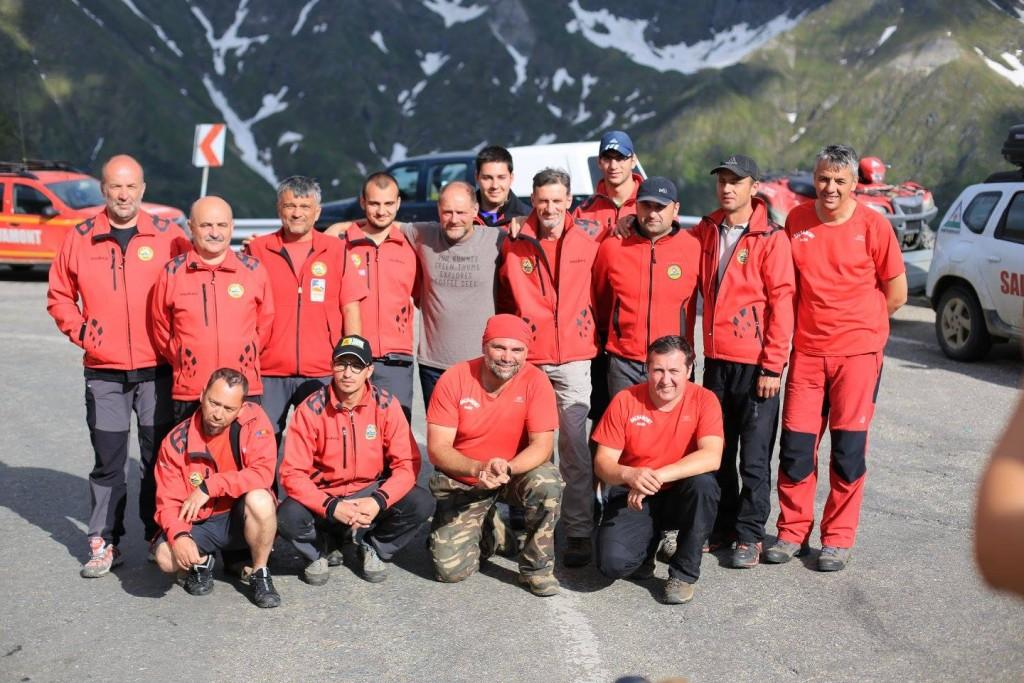 Les Stroud, după ce a fost recuperat de salvatorii montani. Foto: Ion Sănduloiu/Facebook