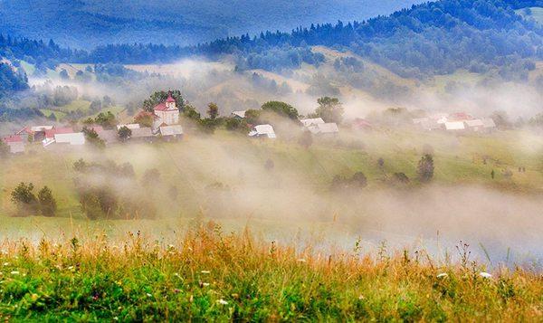 Foto: Pleșa/http://www.ziuanews.ro/revista-presei/calatorie-in-elve-ia-romaniei-turul-celor-mai-frumoase-sate-din-ara-noastra-197147