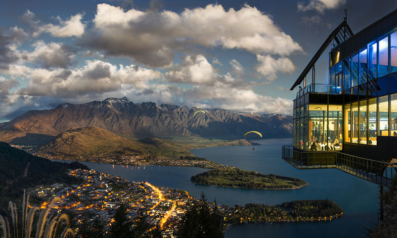 Foto: http://scribol.com/travel/these-15-breathtaking-restaurants-literally-take-dining-to-new-heights/20