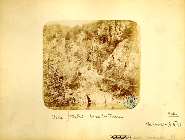 Valea Oltului, Masa lui Traian. Foto: europeana.euValea Oltului, Masa lui Traian. Foto: europeana.eu