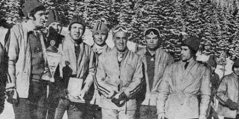 O echipă a grupei Salvamont Brașov. Foto: www.romaniaturistica.ro